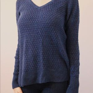 Easy blue pullover